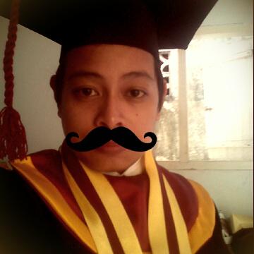 Gue pasangin kumis biar telihat berwibawa. :cool: