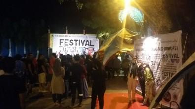 keramaian festival jomblo 02