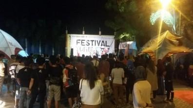 keramaian festival jomblo01