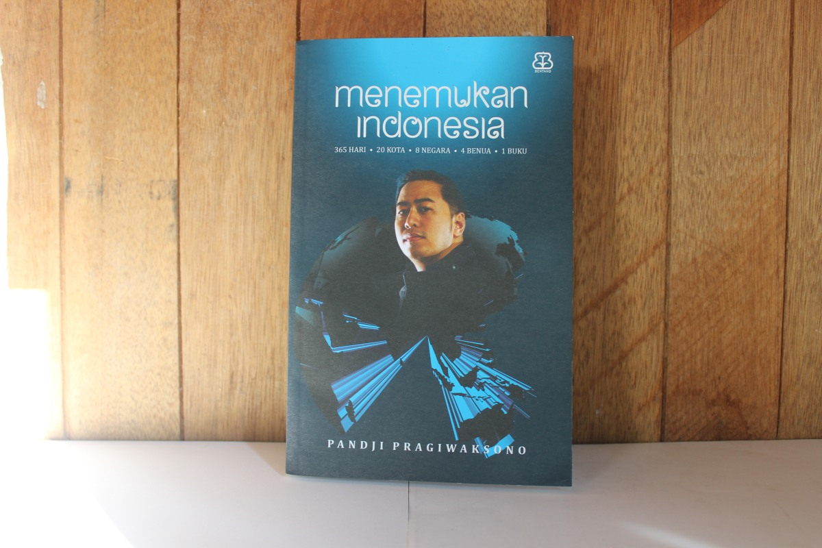 [BOOK REVIEW] Menemukan Indonesia - Pandji Pragiwaksono