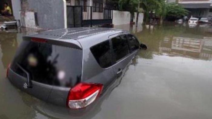 mobil kebanjiran